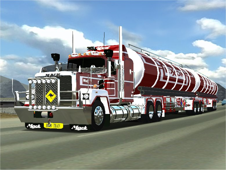 Photo of 18 Wos Haulin – Mack Superliner