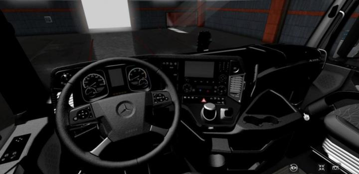 Photo of ETS2 – Mercedes Mp4 Full Black Interior (1.36.x)