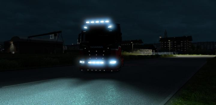 Photo of ETS2 – Flare And 5500 K Lights for All Trucks V1.6 (1.38.x)