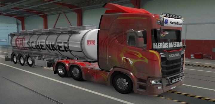 Photo of Sticker Glass For All Trucks Herois Da Estrada ETS2 1.40